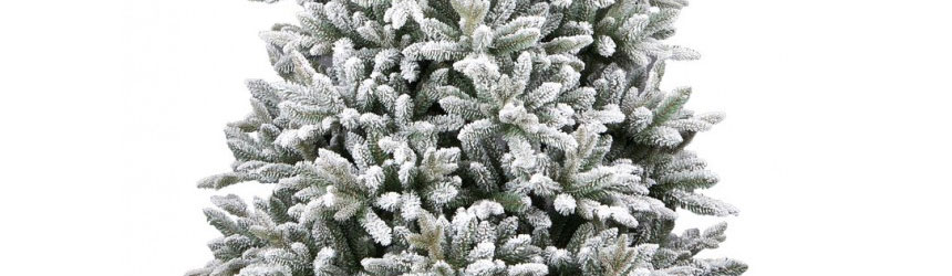 Alberi di Natale con neve artificiale