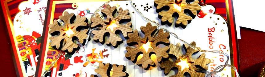 Fili di luci e cascate a led per le feste di Natale